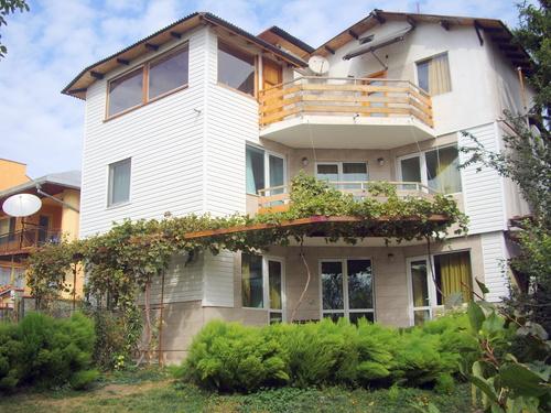 Villa  Petrovi