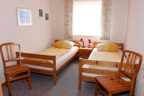 Schlafzimmer mit 2 Einzelbetten - Bauernhof, Dagebüll