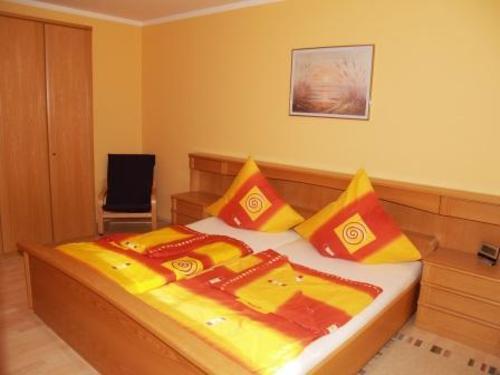 Schlafbereich mit Doppelbett - Ferienwohnung , Altmühltal