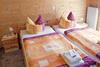 Schlafzimmer mit Doppelbett - Pension , Thale