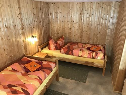 2 Bett Zimmer - Ferienwohnung , Ostharz