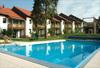 Außenansicht Sommer mit Swimmingpool