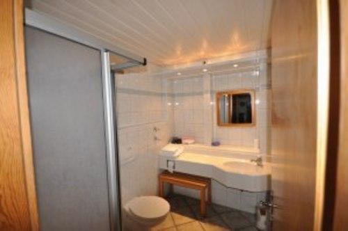 Badezimmer - Ferienwohnung , Jungholz
